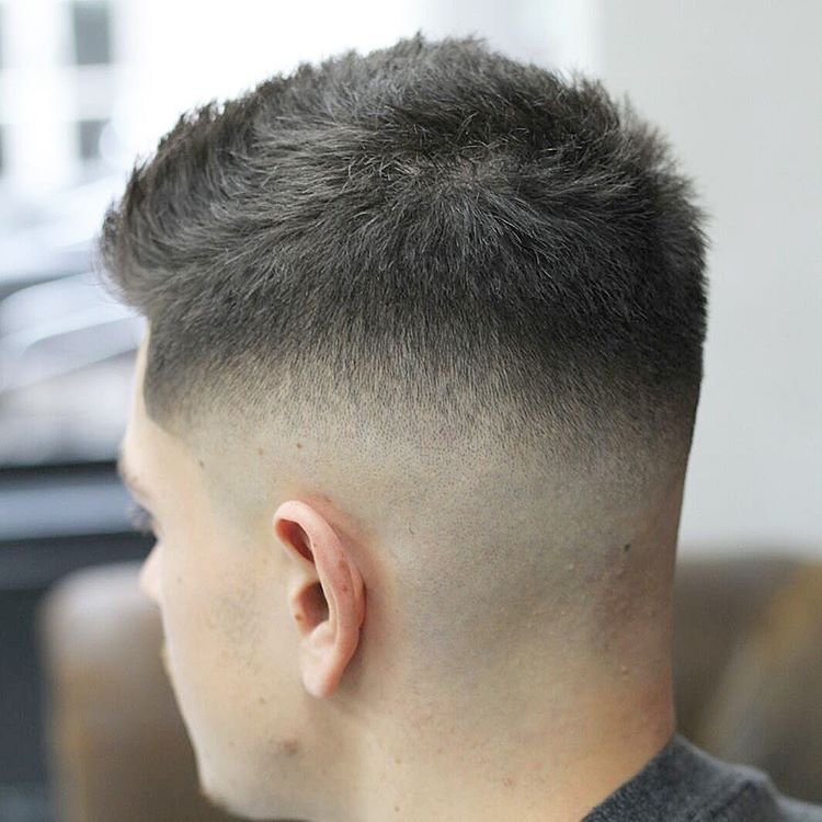 Pin By Srta Dunkelheit On Tunsori Mens Hairstyles Fade Haircut Hair Styles