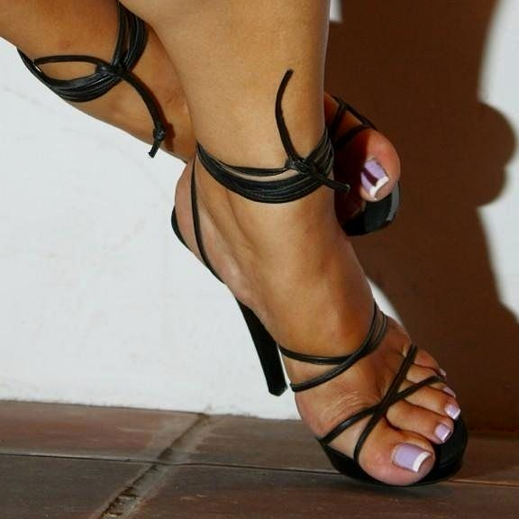 Pin på Beautiful feet amazing heels and lovely legs