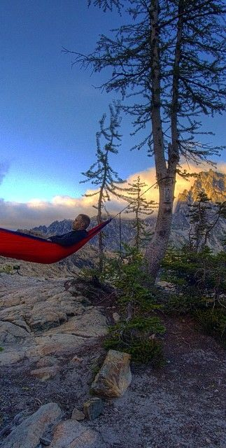 This is by far one of my favorite places to backpack to and also one of my favorite places to hammock at. /// Ingalls lake, WA