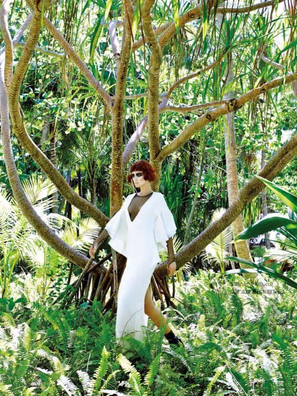 Tree/Woman/Life