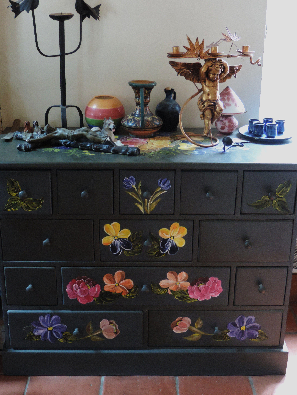 pinterest meubles peints meuble peint bleu with pinterest meubles peints meuble commode. Black Bedroom Furniture Sets. Home Design Ideas