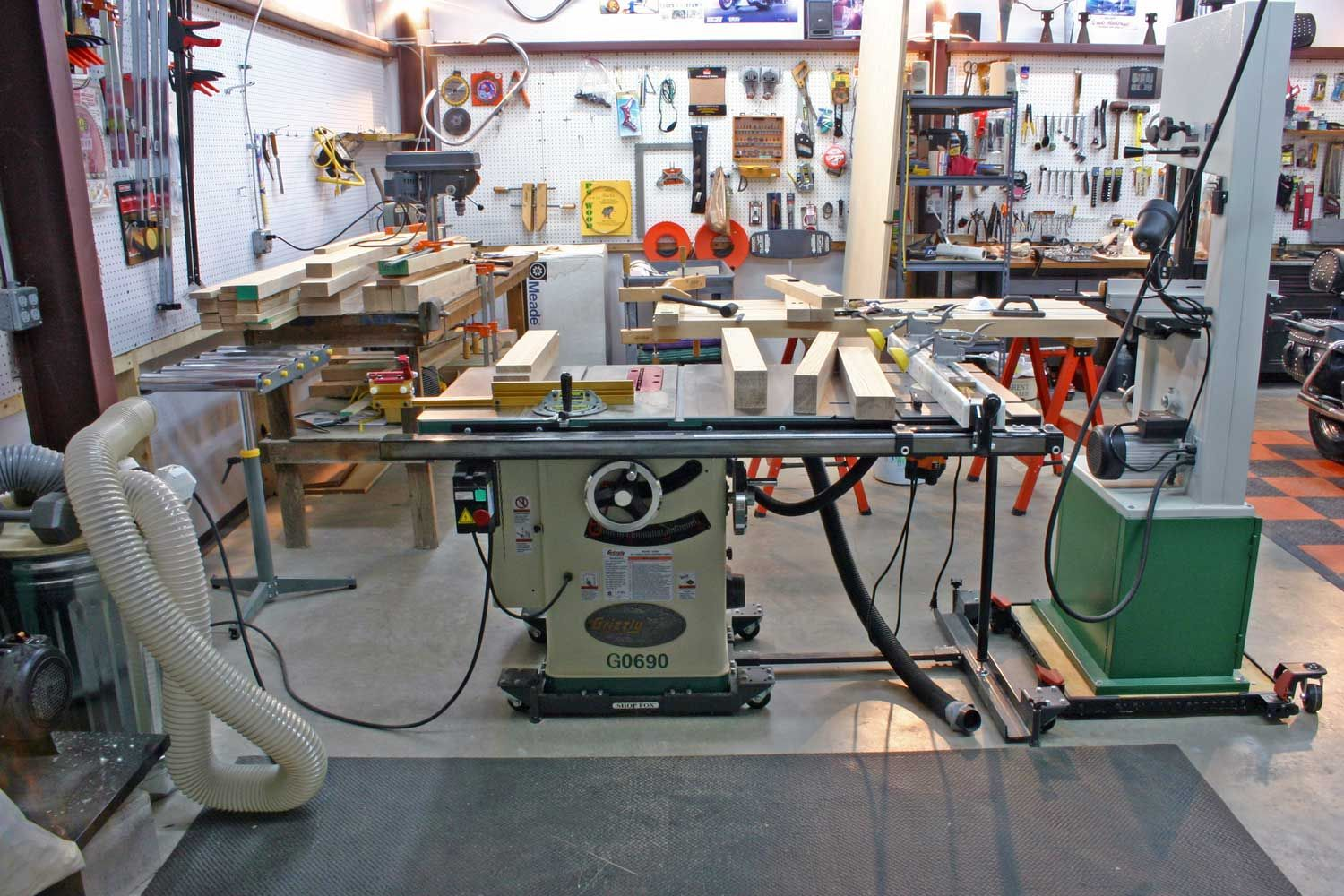 Setup garage woodshop layout in case you are hunting for for Garage and shop plans