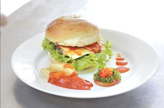 Membuat Beef Burger Lezat Ala Neng Resep Sehari Hari Beef Burger Burger Chicken Burgers