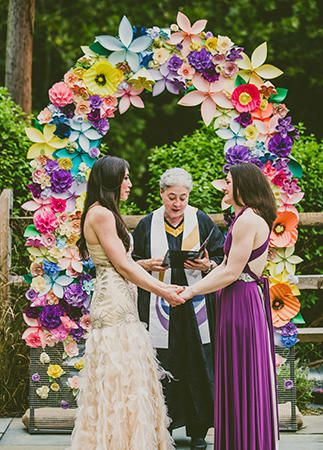 15 chic ways to use paper flowers at your wedding backdrops 15 cool ways to rock paper flowers at your wedding flower ceremony arch mightylinksfo Gallery