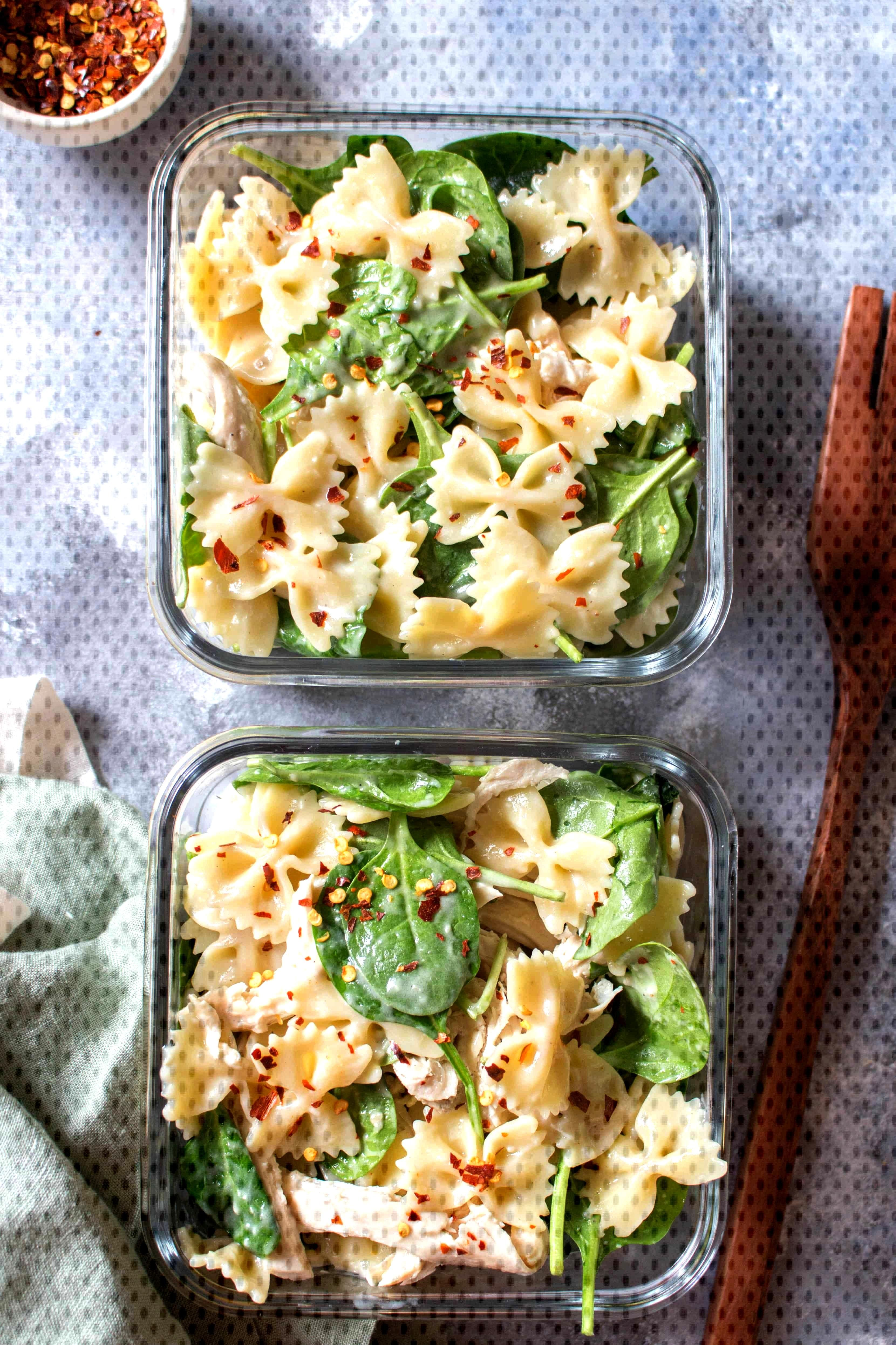 ThisCold Chicken Spinach Pasta Salad is the perfect easy cold meal prep idea or a dish for a potl