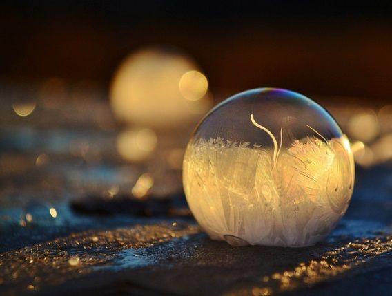 Imagen de http://www.planetacurioso.com/wp-content/uploads/2014/02/burbujas-congeladas-11.jpg.