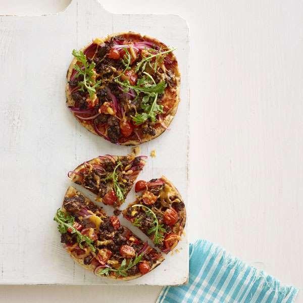 cheeseburger flatbread pizza