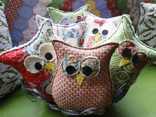 Easy sew owls with pattern. Great idea for friend gifts and maybe a small collection for my tree. | Button Bird Designs -   24 fabric owl crafts