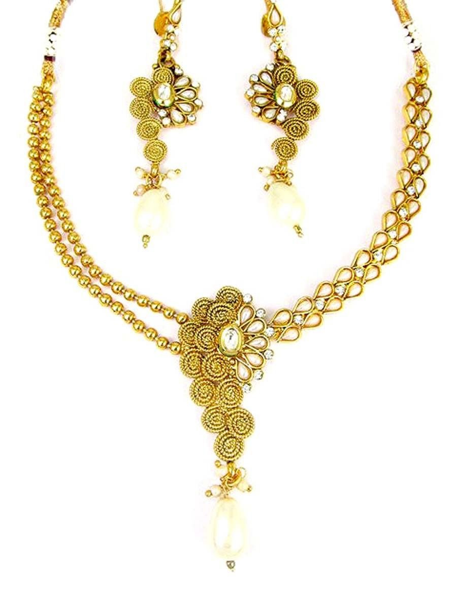 Stunning gold plated brass metal necklace studded with pearls