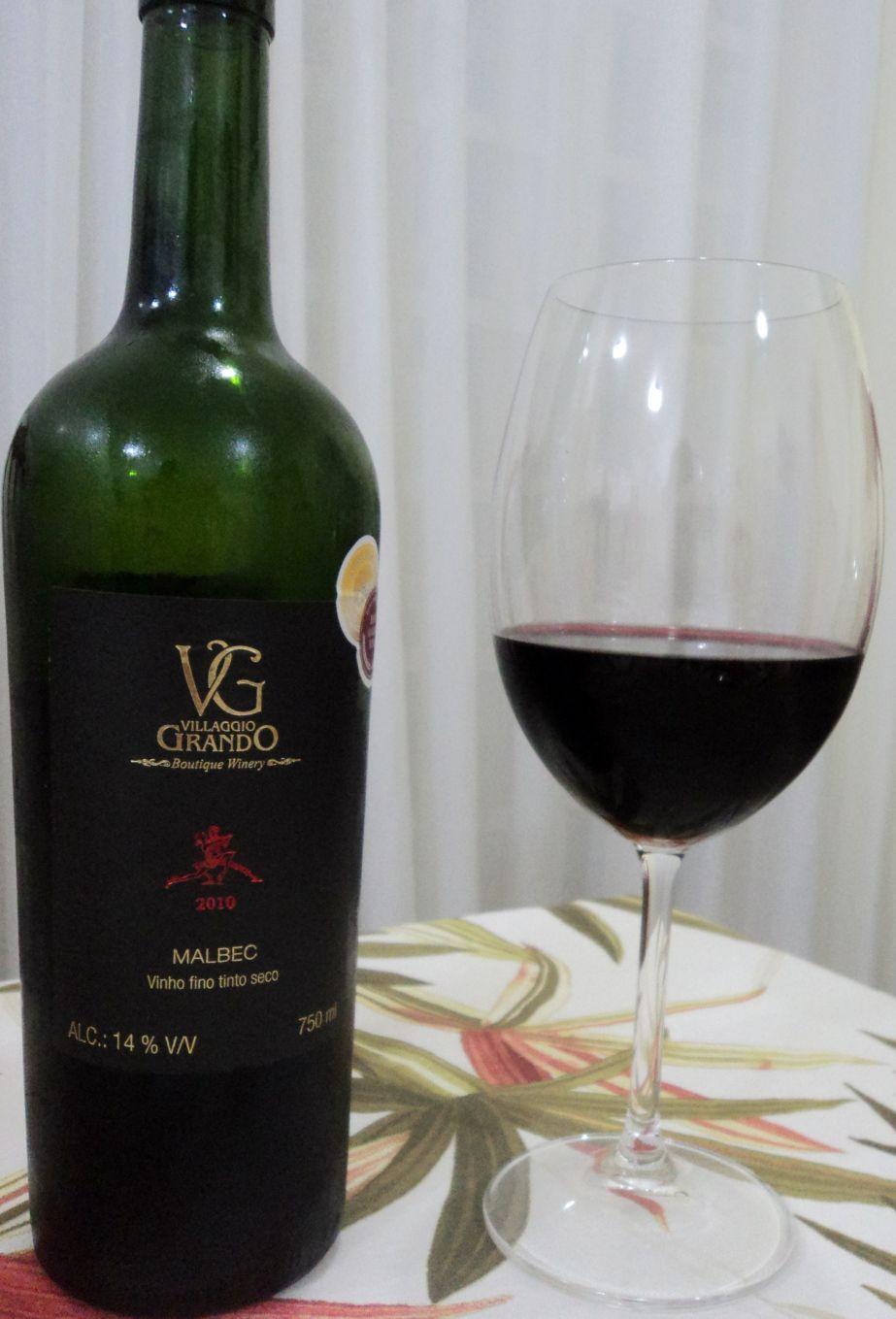 Vinho muito bom da Vinícola Villaggio Grando, combinou muito bem com a mesa de frios !!!!!!!!