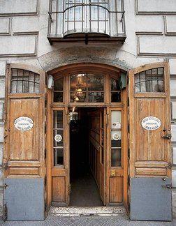 Abierta en 1840, la Antigua Casa de Guardia es la bodega
