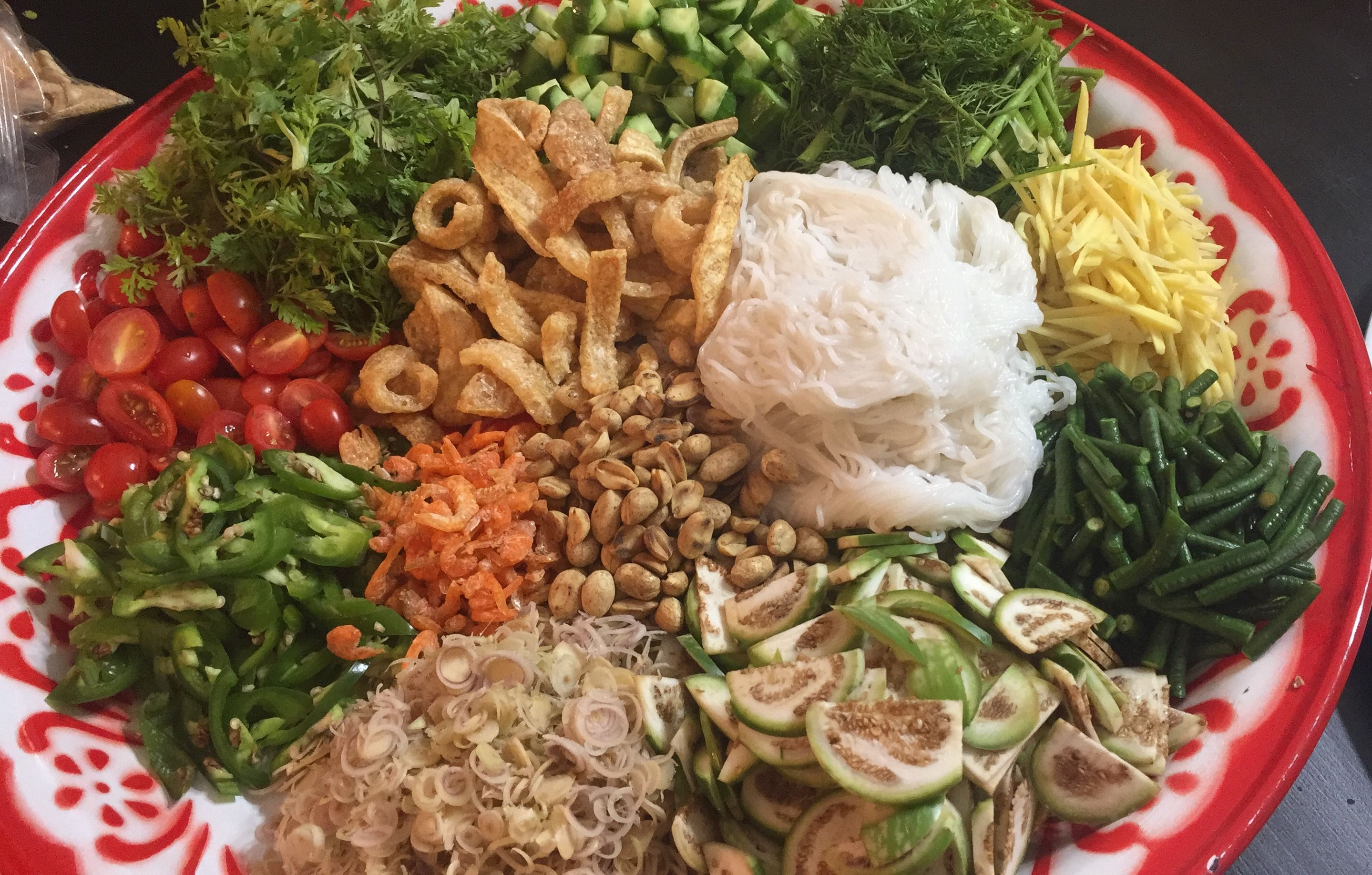 Lao Wrap Pun Platter Filled With Fresh Vegetables Herbs And Fillers Laos Food Asian Recipes Food