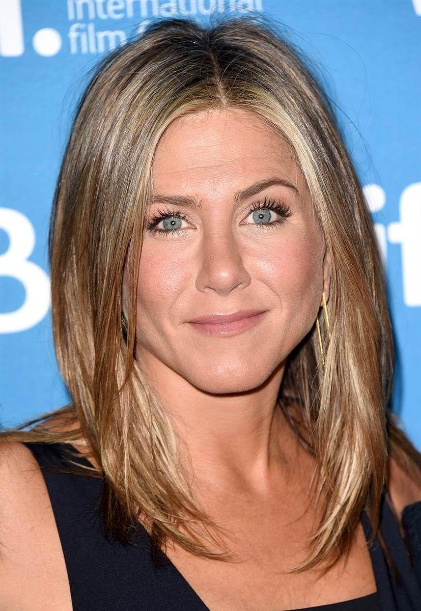 Jennifer Anistons Hair Evolution From The Rachel To Her