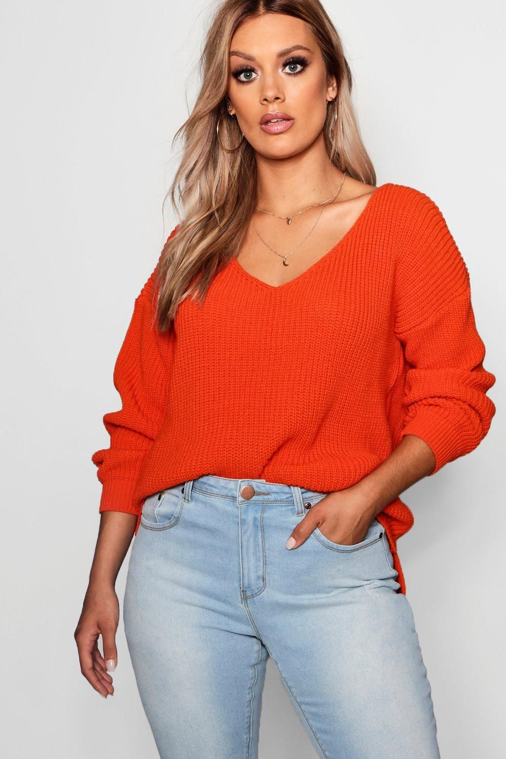 dffdf319050893 Click here to find out about the Plus Oversized V Neck Jumper from Boohoo