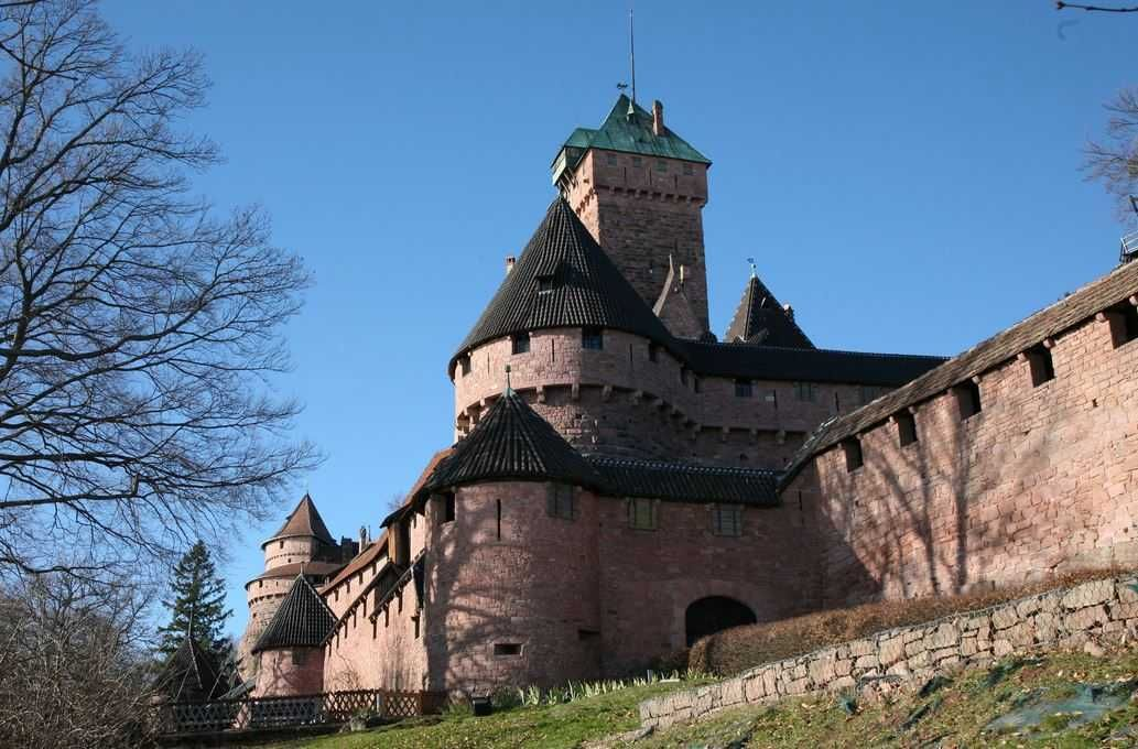 Château du Haut-Koenigsbourg  Top 10 Magnificent Fairytale Castles around the World  http://www.traveloompa.com/top-10-magnificent-fairytale-castles-around-the-world/