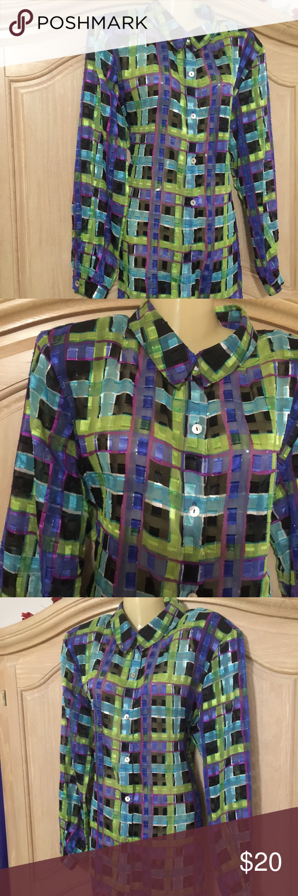 designer worthington blouse blouse in different sizes of square lines and colors in front with buttoned neck and lond sleeves size 18.  100% polyester Worthington Other