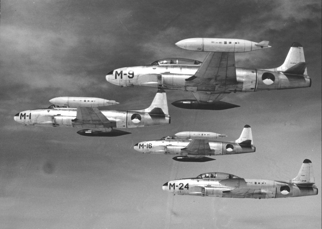royal netherlands air force lockheed t33 shooting star aircraft military jets pinterest. Black Bedroom Furniture Sets. Home Design Ideas