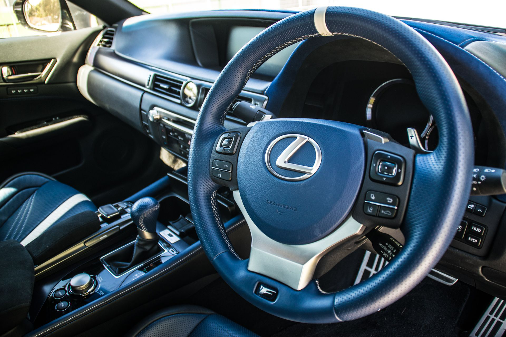 Understanding The Interior Of The Lexus Gs F Requires A Phd Carmojo The Lexus Gs F Has More Than 100 Buttons Switches Lexus Lexus Interior Premium Cars