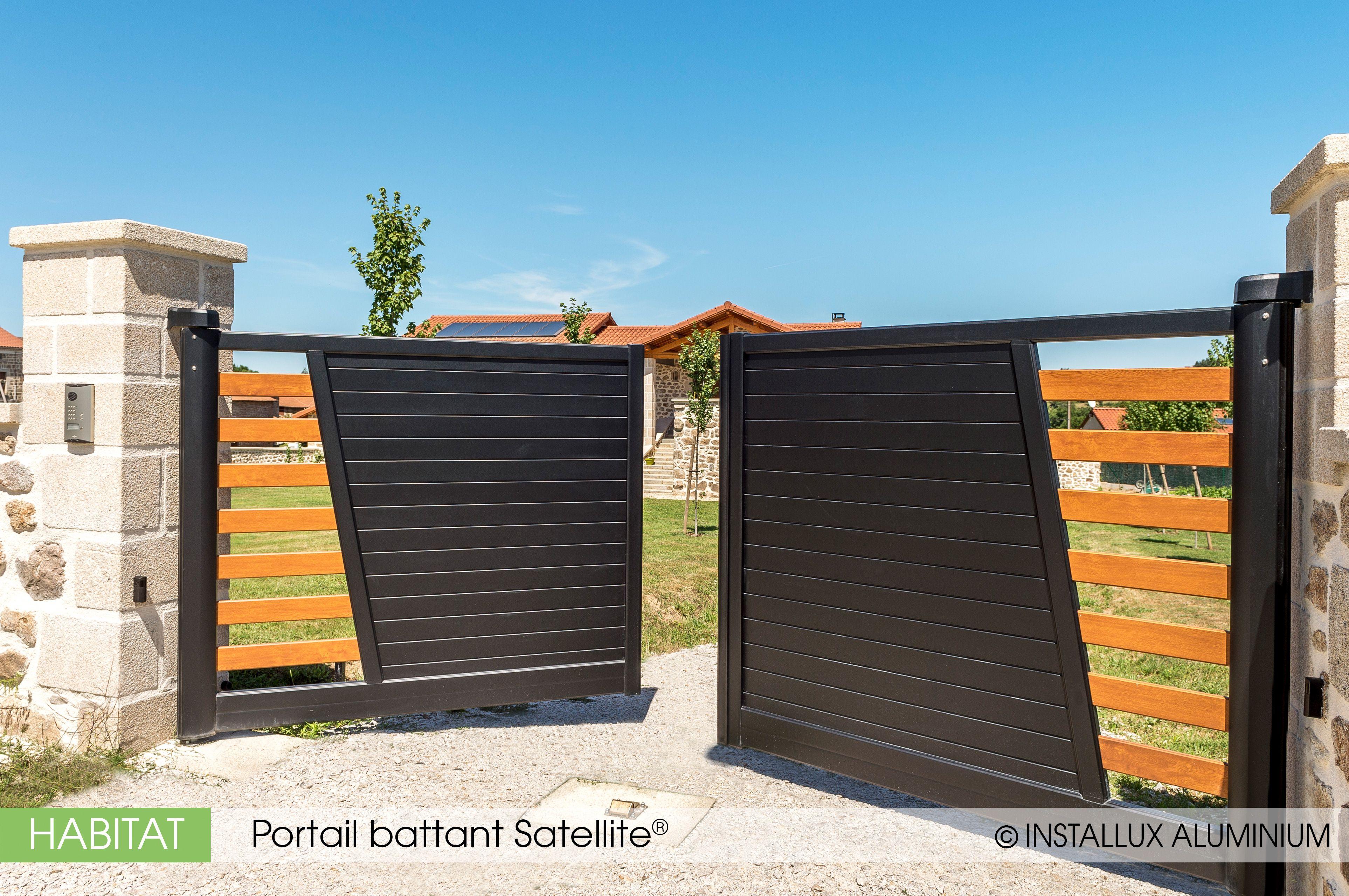 Portail Battant Satellite D Installux Aluminium Portail Double A Battants Motorise Portail Et Cloture Cloture Aluminium Maison