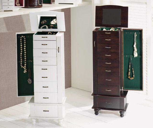 31e560203881 Mueble joyero de madera con ocho cajones y parte superior con  compartimentos pensados para ordenar anillos y pendientes. www.tatamba.com