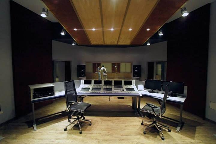 Sound Studio Museum will be Opening soon,Tehran,Iran استودیو صدای موسیقی در زمینی به مساحت 760 متر و زیربنای 900متر مربع با امکانات روز دنیای موسیقی در محل موزه موسیقی به زودی افتتاح خواهد شد. عکاس: حمیدرضا درجاتی