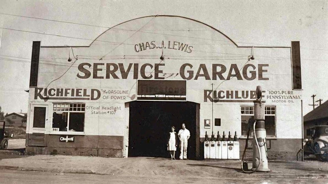 Charles Lewis Richfield Garage Little Falls, ID. (With