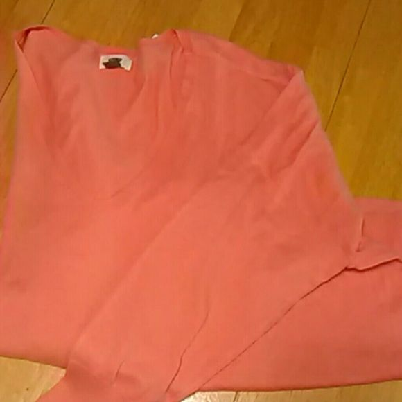 Sweet orange v neck boxy sweater NWT This lightweight sweater is the color of cantaloupe or orange sherbet.  V neck, dropped sleeves, and vents at the sides.  Perfect for the cooler days ahead! Old Navy Tops Tees - Long Sleeve
