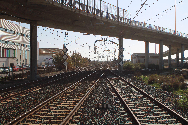 salida del apeadero de Cortadura en sentido a San Fernando