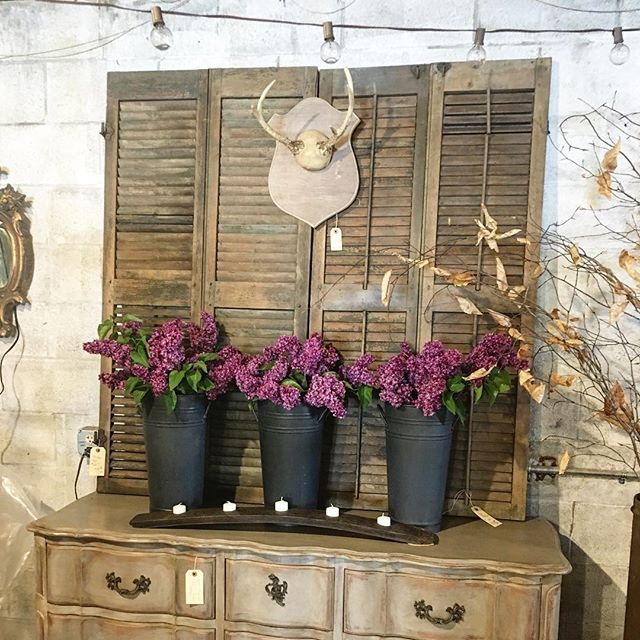 It's going to be an amazing show at the @theruralsociety this weekend. Love all the great #boothdisplays. #ruralsocietyantiqueandgardenshow