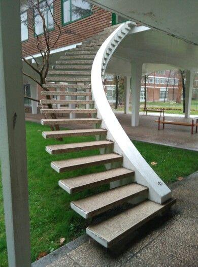 escaleras voladas de miguel fisac