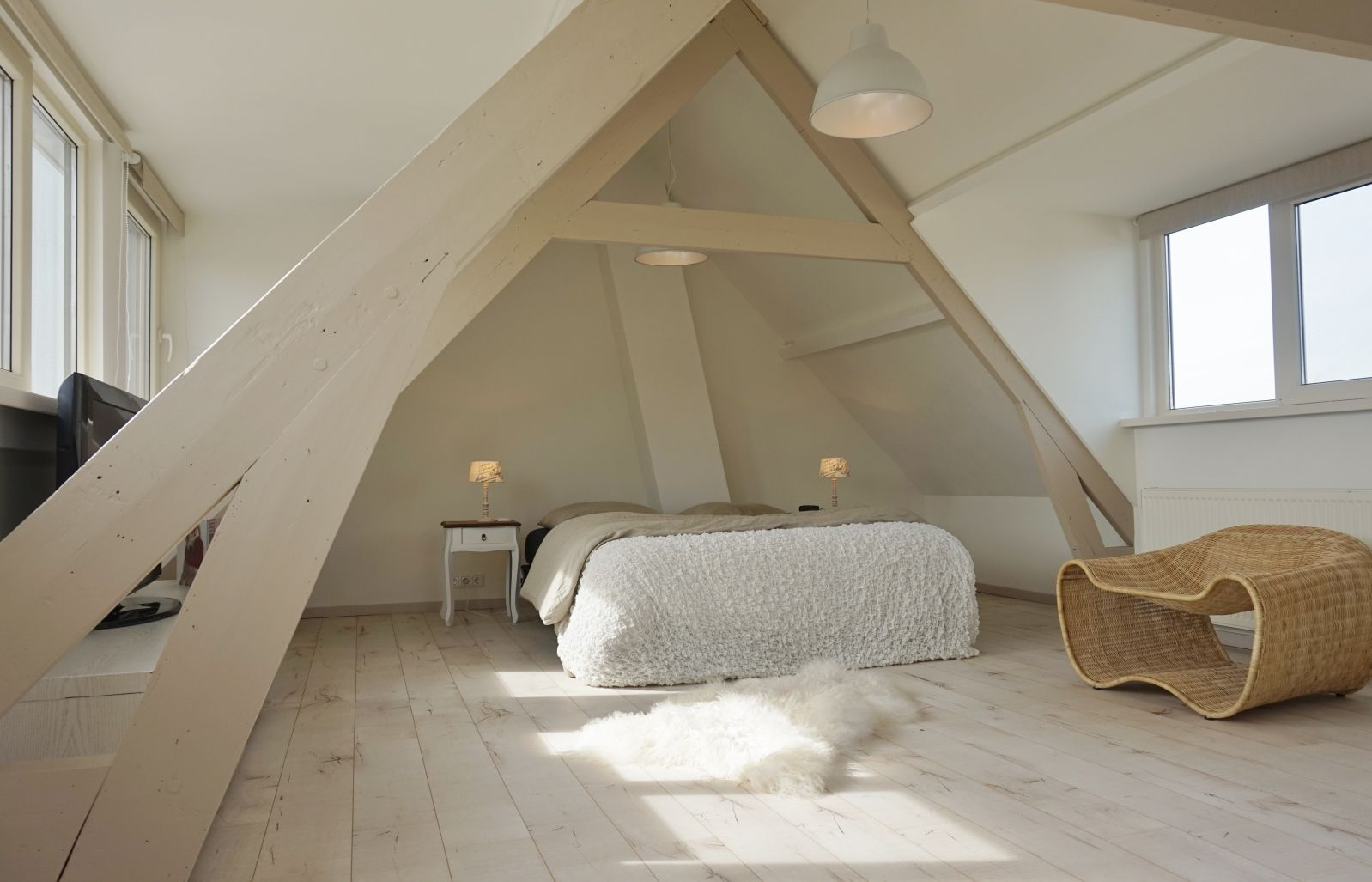 Welke kleur balken zolder google zoeken slaapkamer pinterest