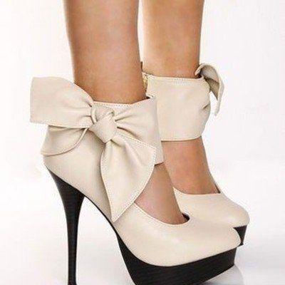 Bows - utrolig sexy sko ... tipper jeg ser kona mi ha et slikt par i løpet av kort tid :)