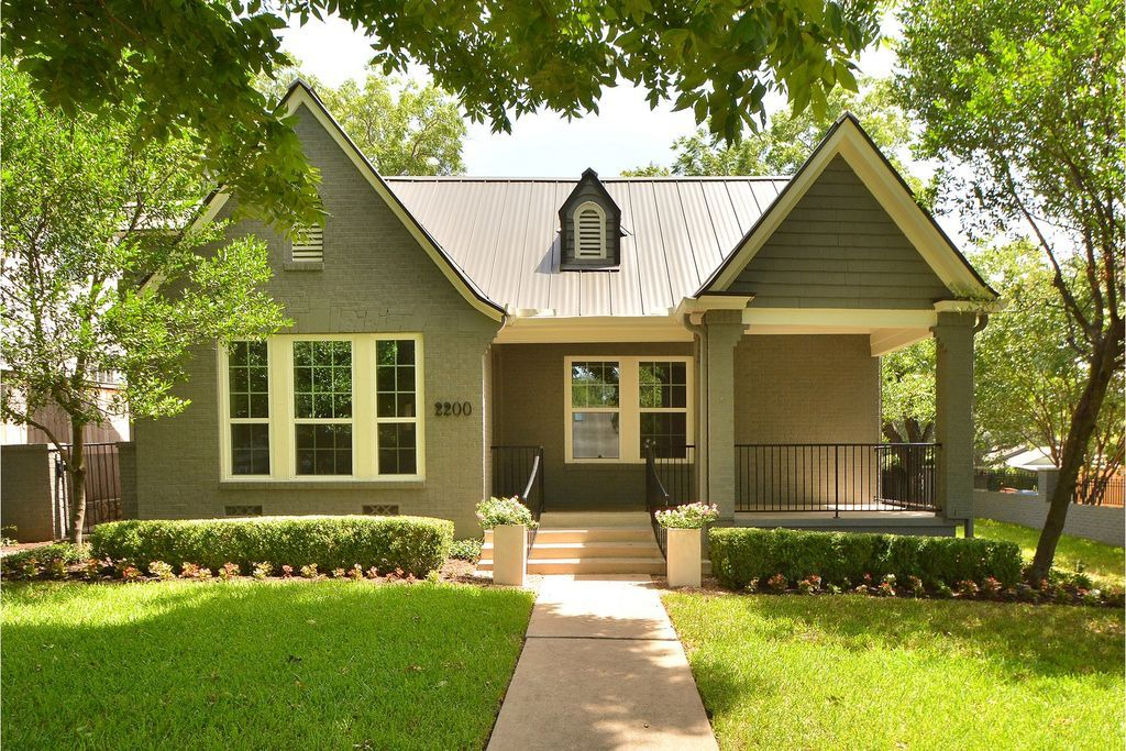 Incredible 2200 Bowman Ave Austin Tx 78703 Zillow House Exterior Home Interior And Landscaping Ponolsignezvosmurscom