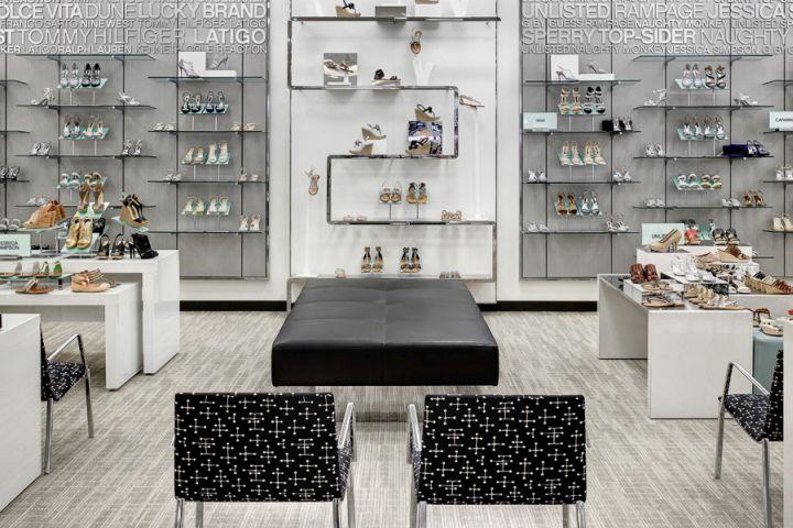 S Shaped Perimeter Shoe Fixture By JPMA At Belk Dallas Galleria Shopping Mall Texas