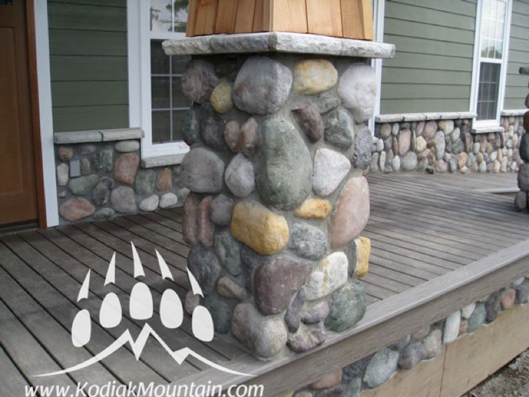 Mountain Stream River Rock 120 Sq Ft Crate Fireplace