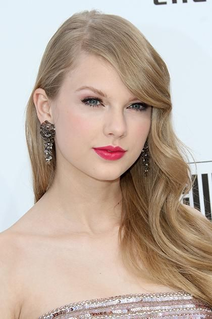 The Beauty Evolution Of Taylor Swift From Curly Haired