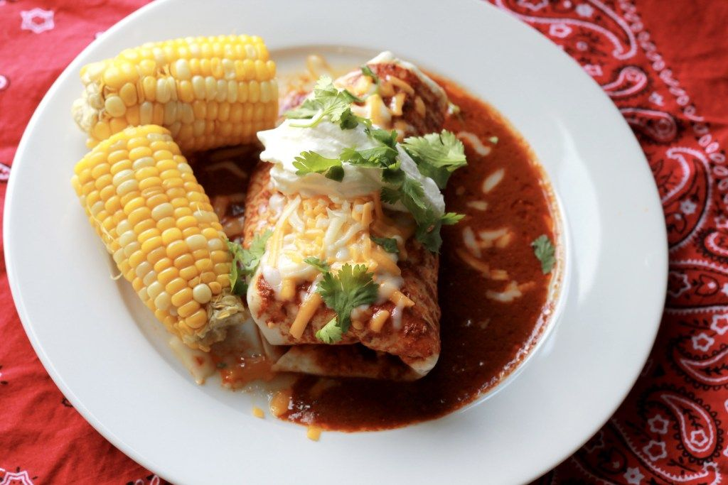 Slow Cooker Shredded Beef Burritos.  THESE ARE SO GOOD!  Better than restaurant!  Can't wait to make again. | 5dinners1hour.com