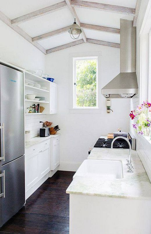 Inventive Ideas For Your Small Galley Kitchen | Magia y Cocinas