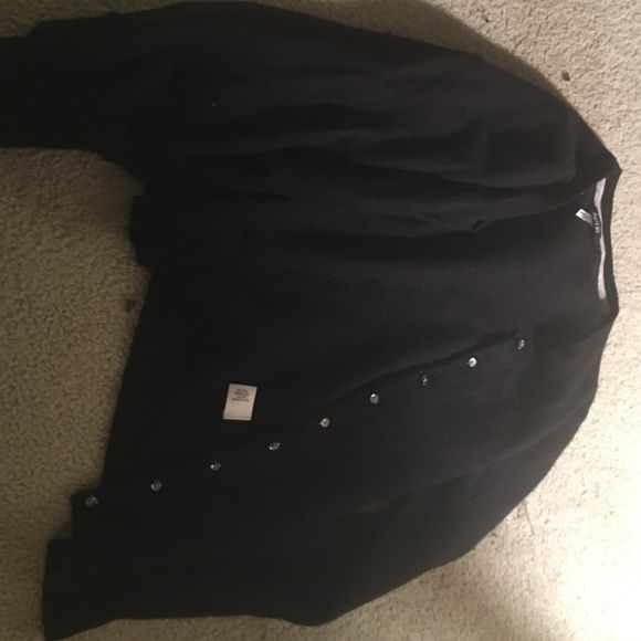 100% cashmere cardigan Soft, gorgeous black 100% cashmere cardigan. Goes with any outfit. Has really cute buttons. Can fit small or medium. Apt. 9 Sweaters Cardigans