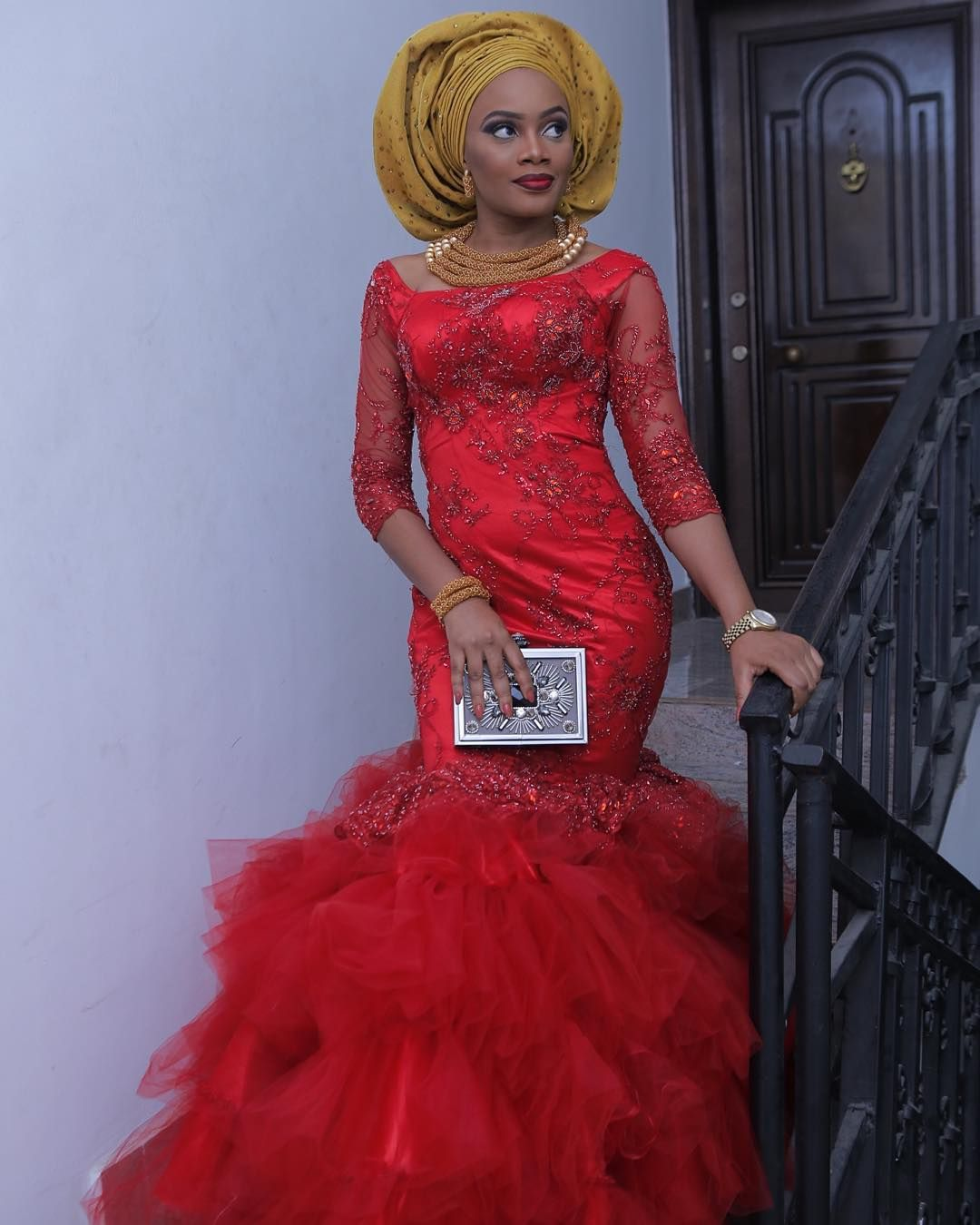 Wedding guests are slaying their asoebi outfits this and they