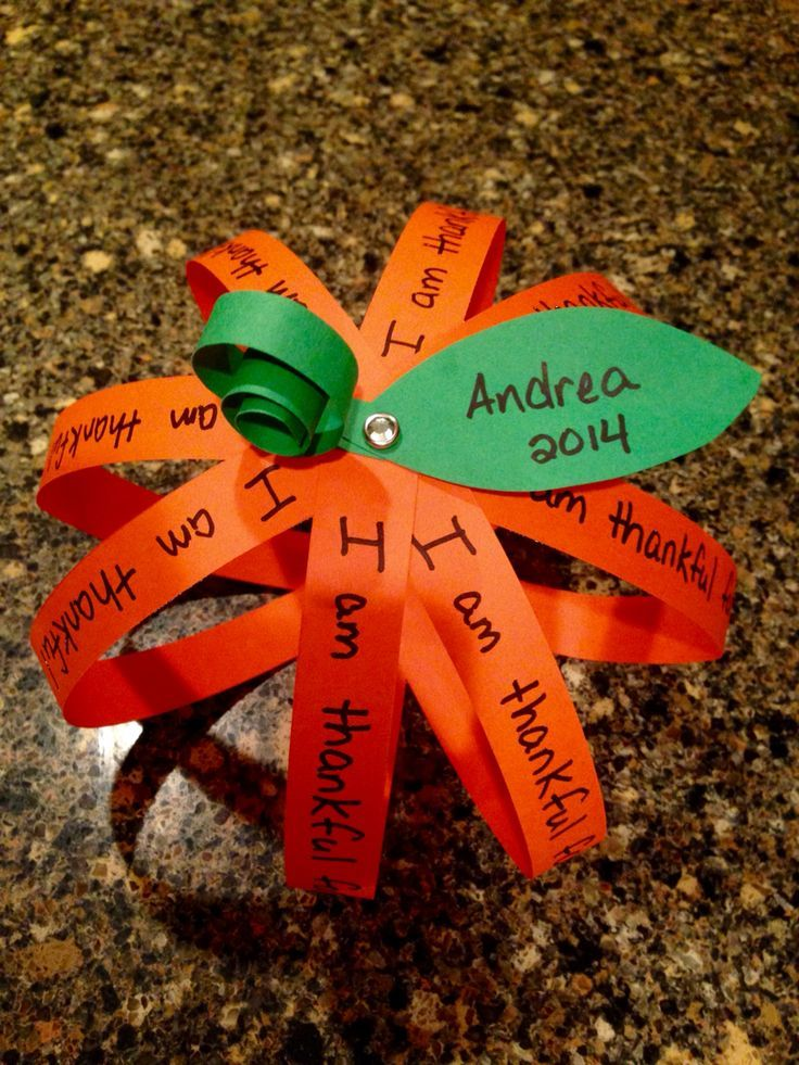Thankful Pumpkin Fall Craft. Fun for kids or adults. Use Brads to ... #thanksgivingcrafts