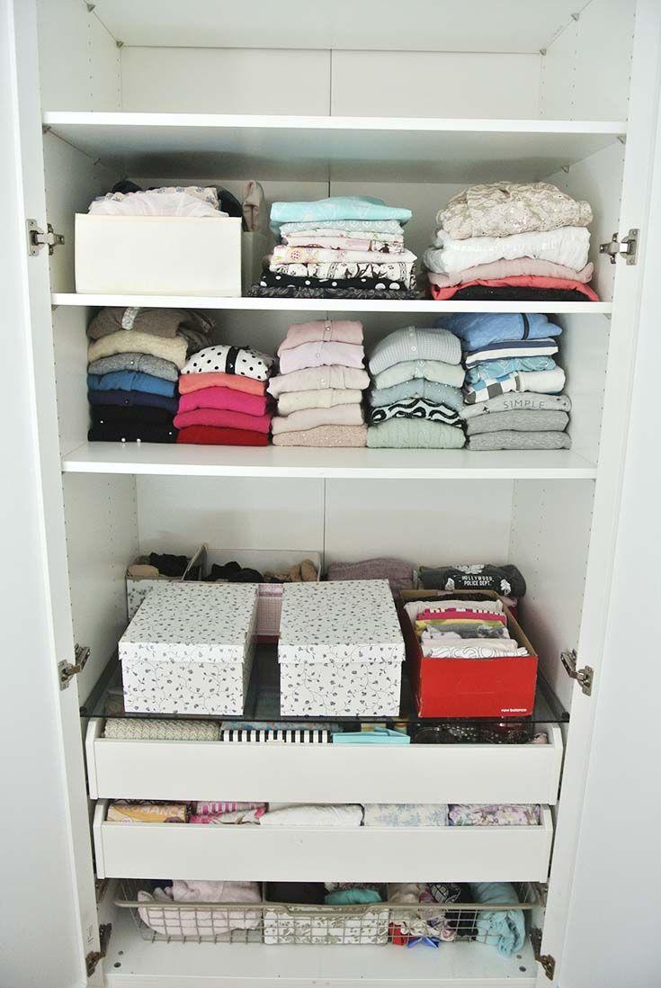 Kleiderschrank aufräumen mit der KonMari Magic Cleaning
