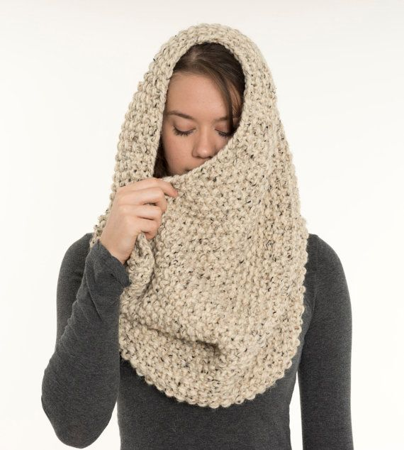 Cozy Chunky Textured Knit Infinity Cowl Scarf. Oatmeal Knit Cowl Wool Cowl