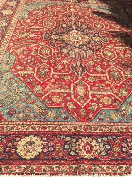Unusual Iranian hand knotted Carpet100 wool on Cotton