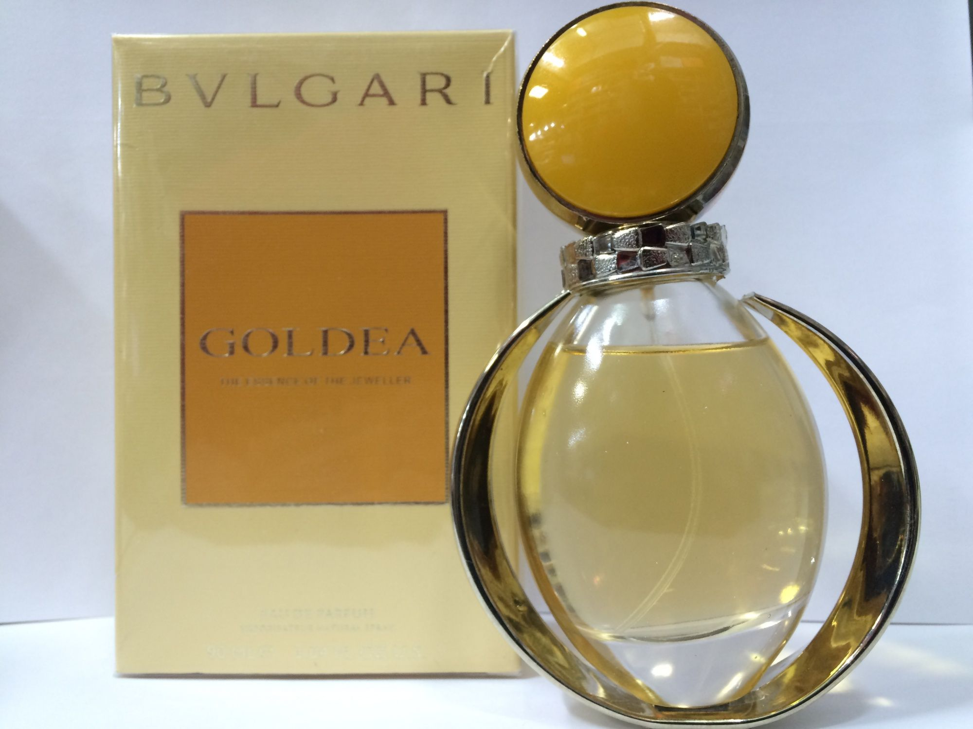 عطر جولديا الذهبي من بولغاري Perfume Bottles Bottle Perfume