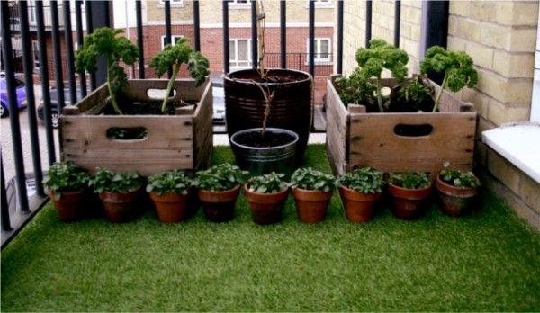 lawn turf balcony r h o d e s pinterest id es terrasse balcons et vegetal. Black Bedroom Furniture Sets. Home Design Ideas