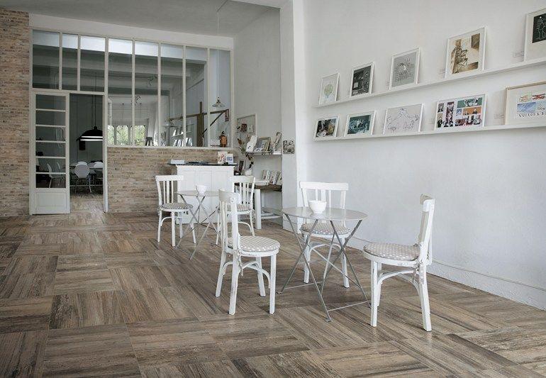 Tuiles matériaux céramiques sol   mur pour lu0027intérieur et l - mur en bois interieur