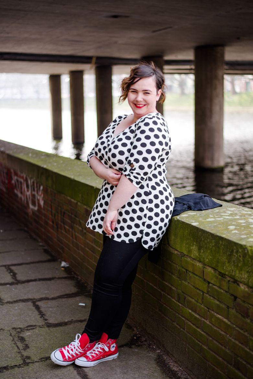 Plus Size Mode: Körperbetontes Shirt selber nähen   DIY fashion and ...