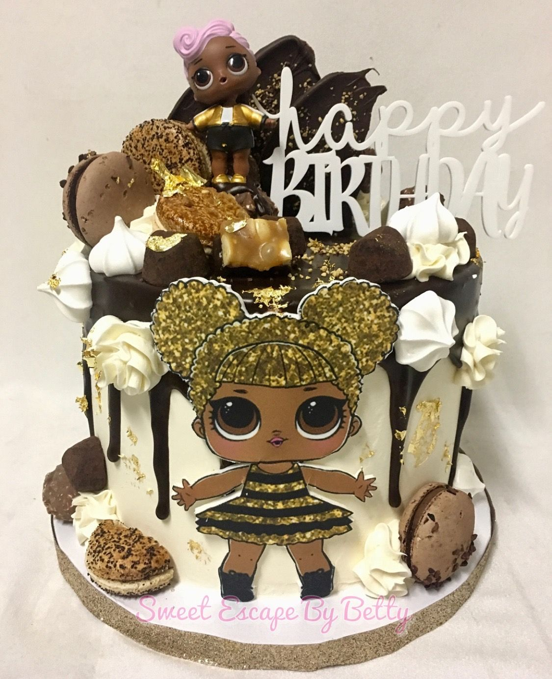 Queen Bee LOL Surprise Dolls Birthday Cake!  2f9ced252f