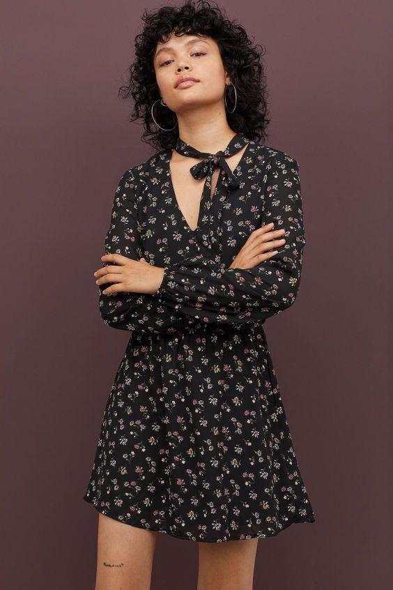 Kleid mit Bindebändern   Kleider h&m, Kleider und Lange ärmel